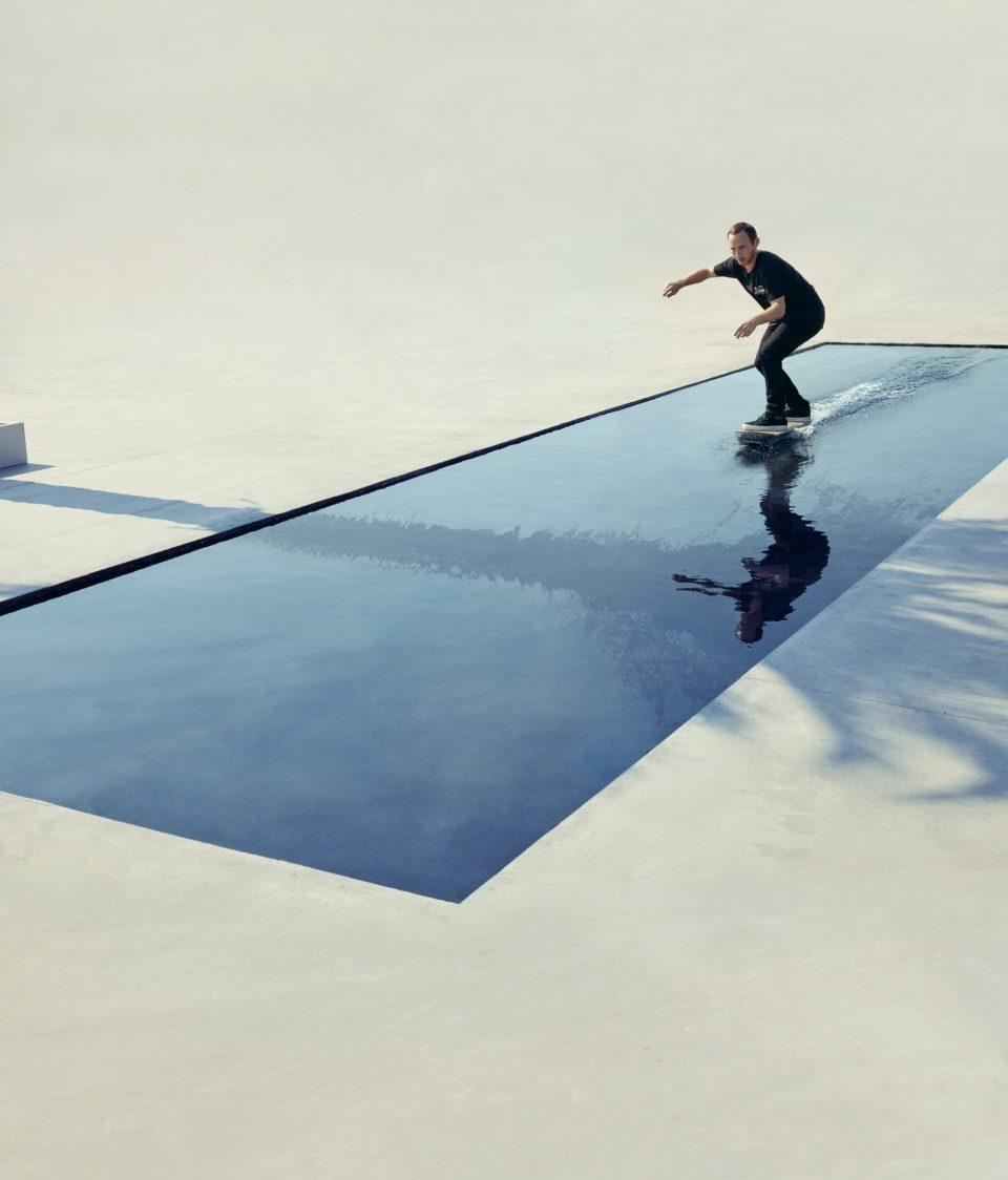 Lexus hoverboard - летающий скейт