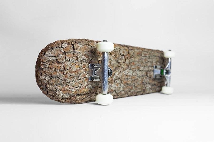 скейт из коры дерева