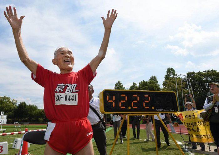 105-летний бегун установил мировой рекорд