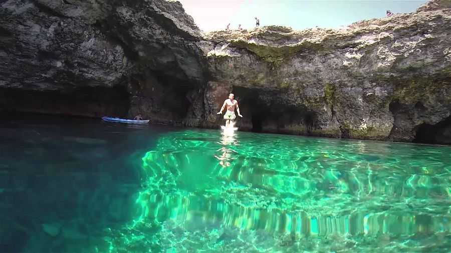 Cliff Jumping Italy3