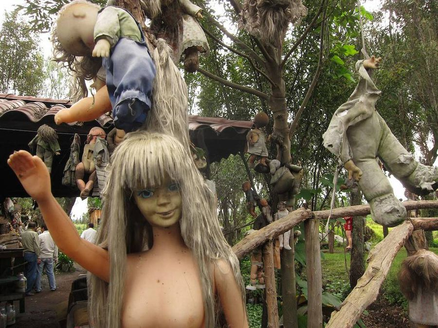 остров кукол