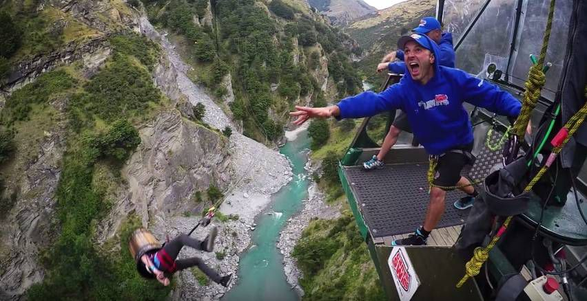 Extreme Bungy Jumping with Cliff Jump Shenanigans3