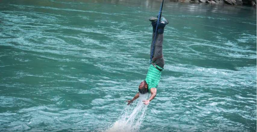 Extreme Bungy Jumping with Cliff Jump Shenanigans4