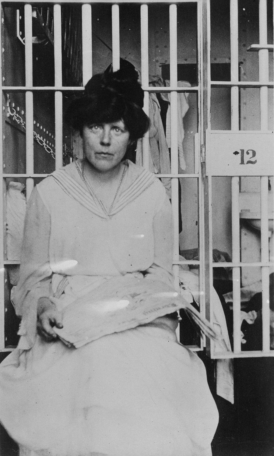 фотографии заключенных суфражисток