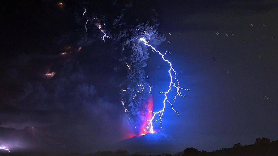Вулканические молнии