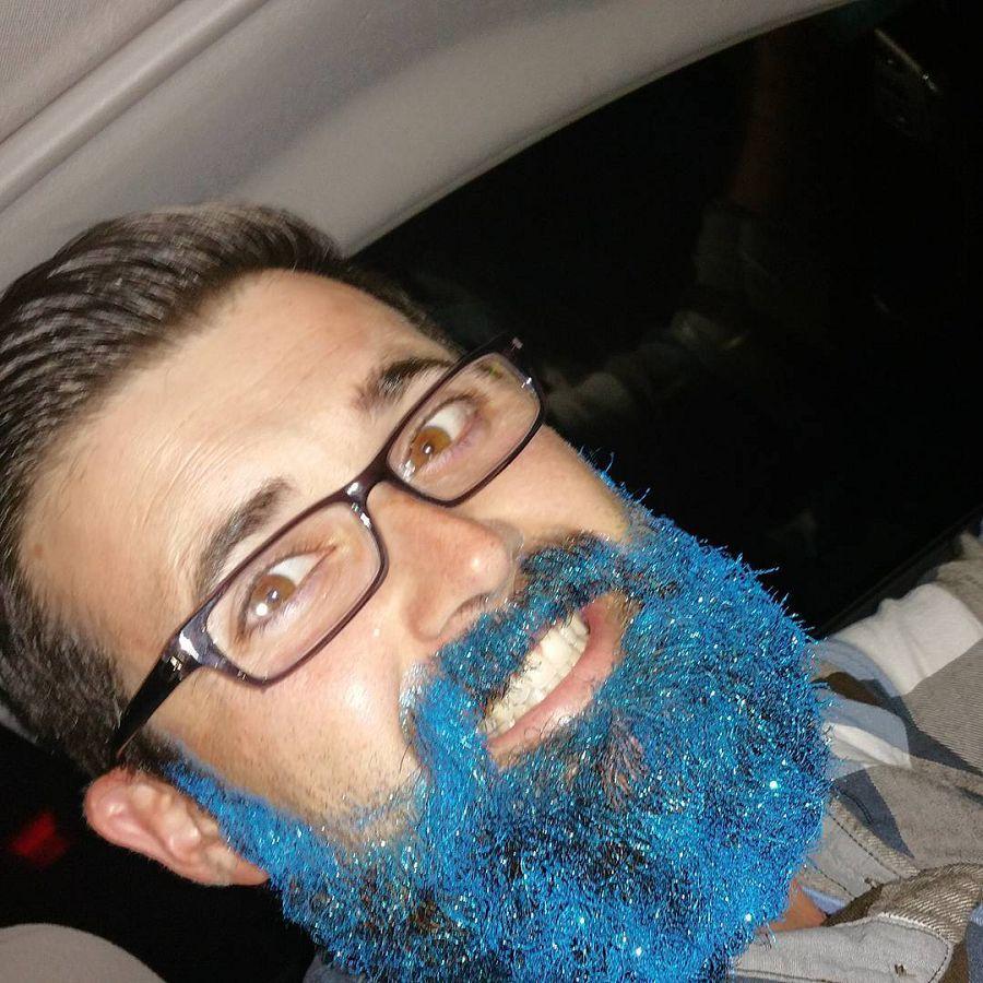 актуальный модный тренд, борода в блёстках
