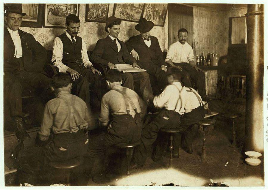 Чистильщики обуви — дети греческих иммигрантов. Индианаполис, Индиана. 1908 год
