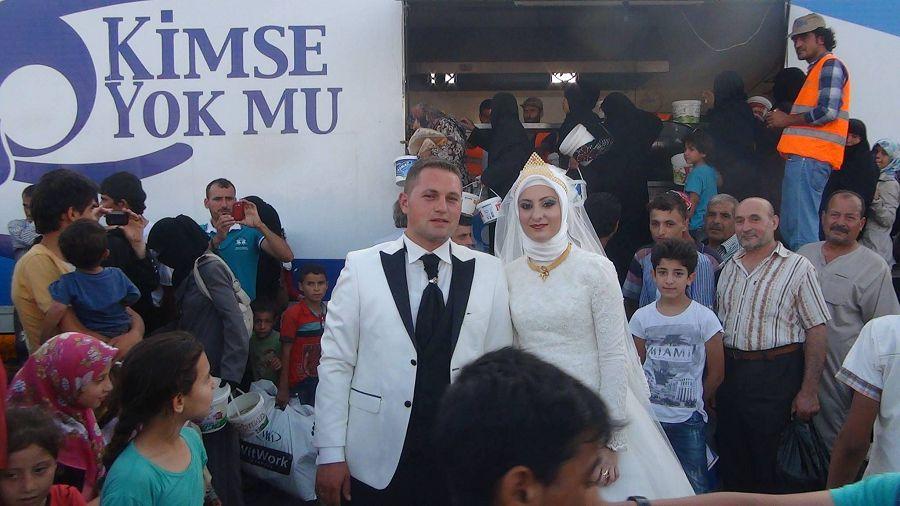 турецкая пара беженцы