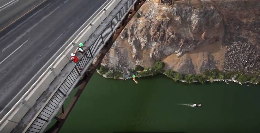 Insane Base Jumping 2