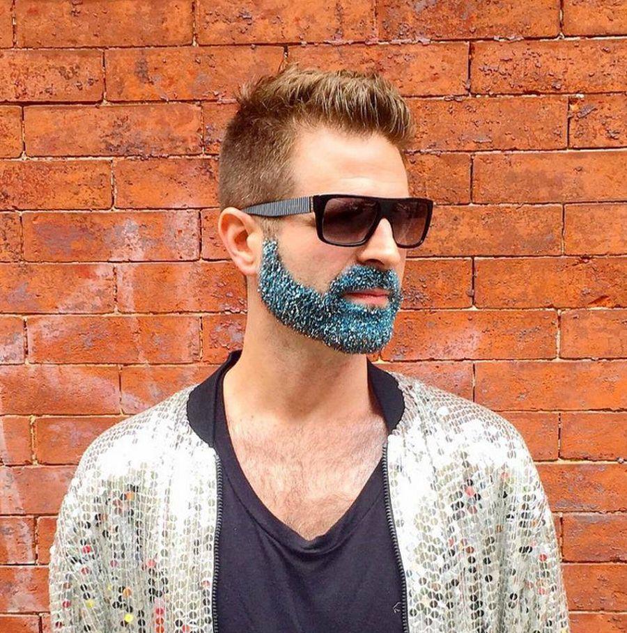 актуальный тренд: новогоднее украшение бороды блёстками