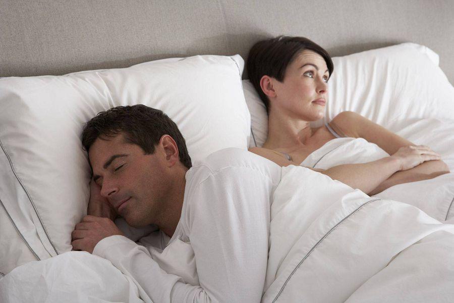 мужчина женщина постель