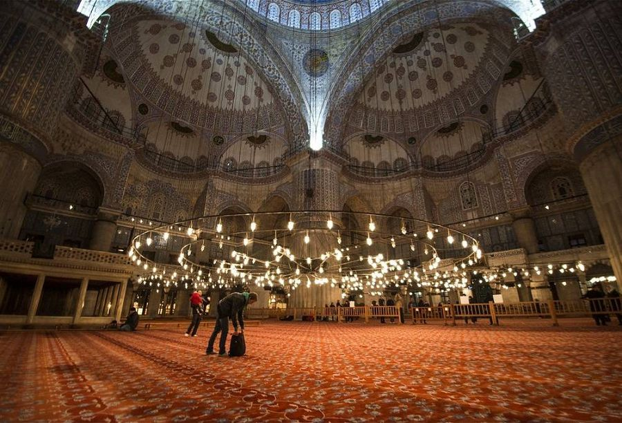 Интерьер Голубой мечети в Стамбуле