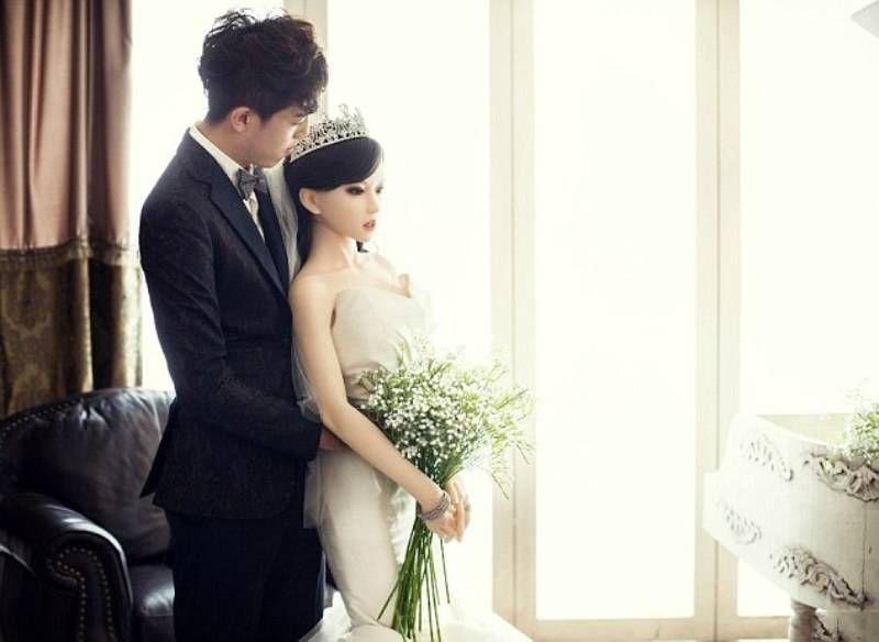 свадьба с резиновой куклой
