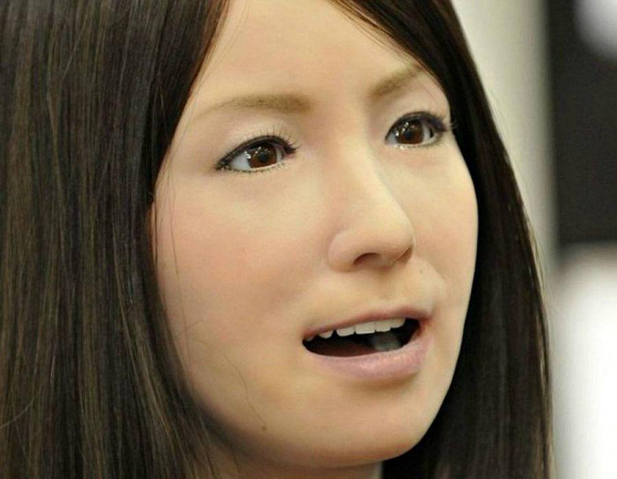 женщина робот андроид