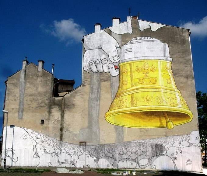 Впечатляющие граффити от Blu