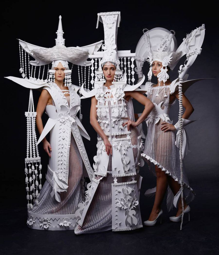 Исторические костюмы, созданные из бумаги