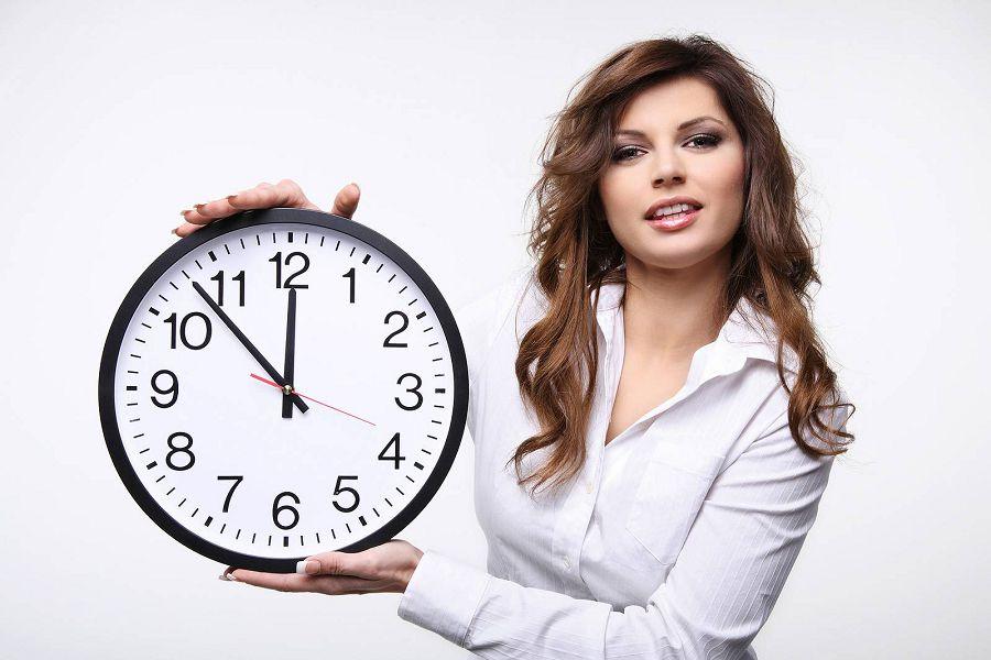 контролировать время
