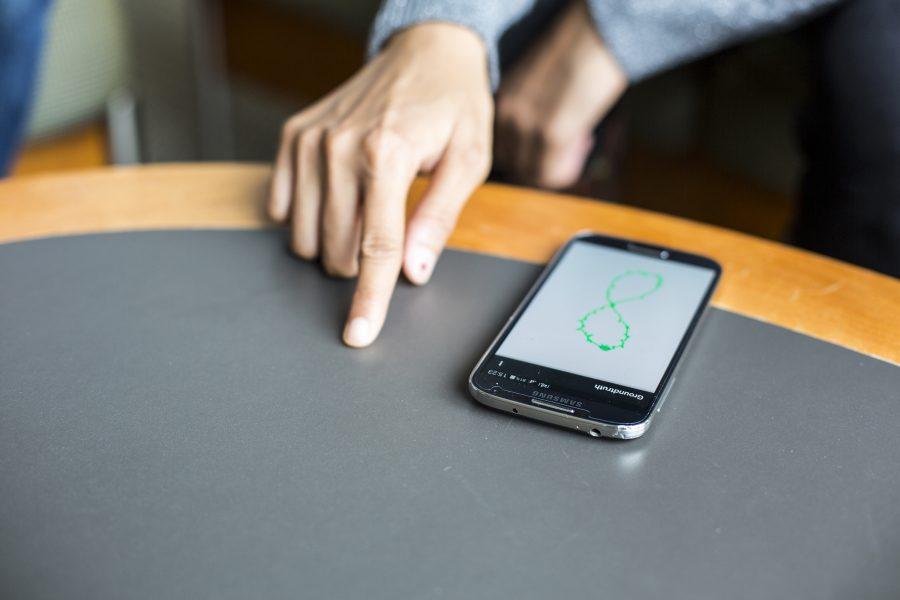 FingerIO, смартфон
