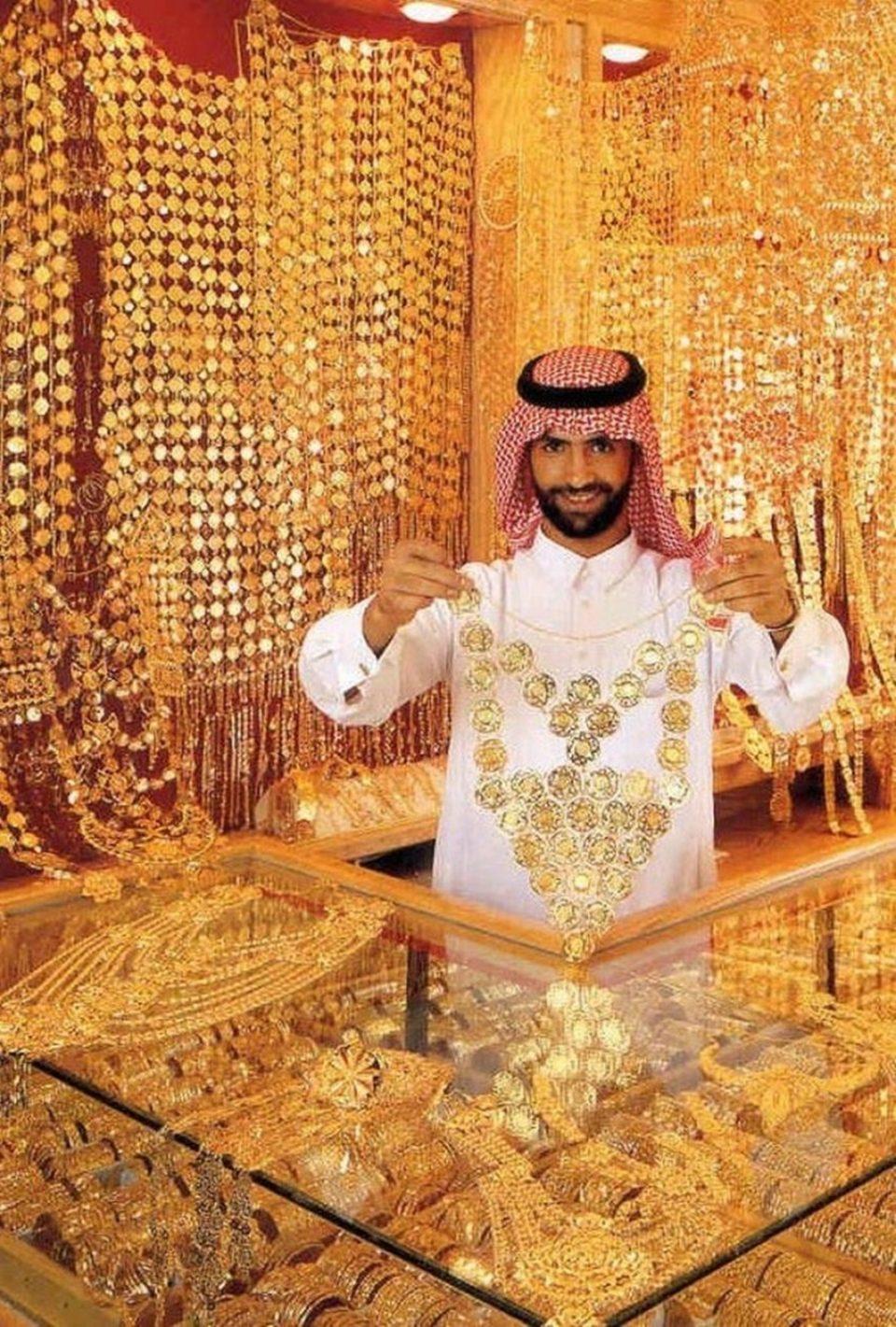 золотые украшения в Дубае