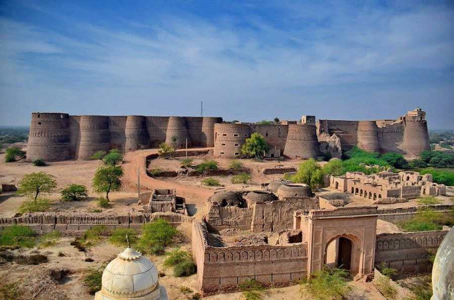 7 чудес света. Деравар в Пакистане