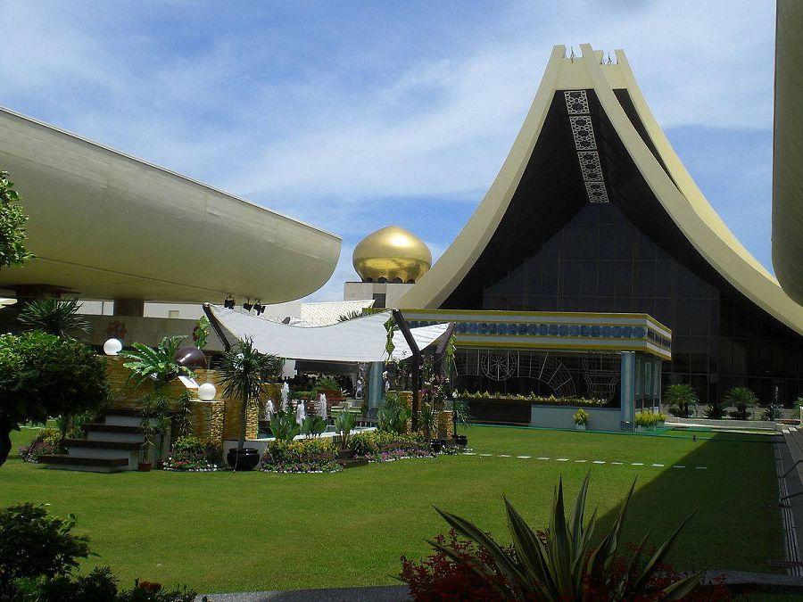 Истана Нурул Иман. Бруней.