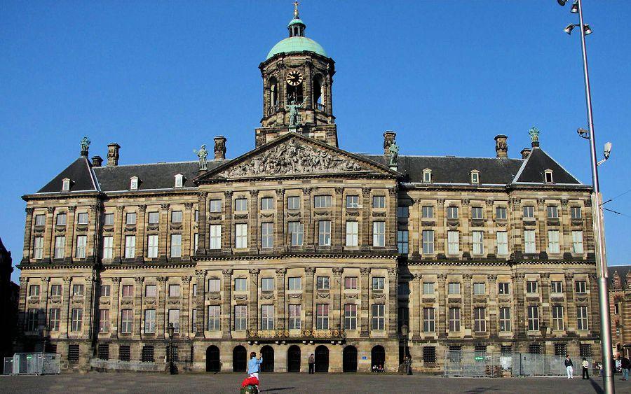 Королевский дворец. Голландия.