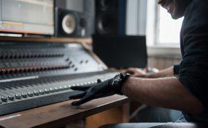 Перчатка Remidi — музыка с помощью жестов