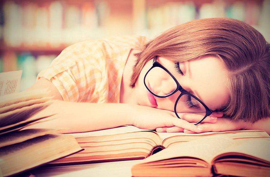 спать на работе