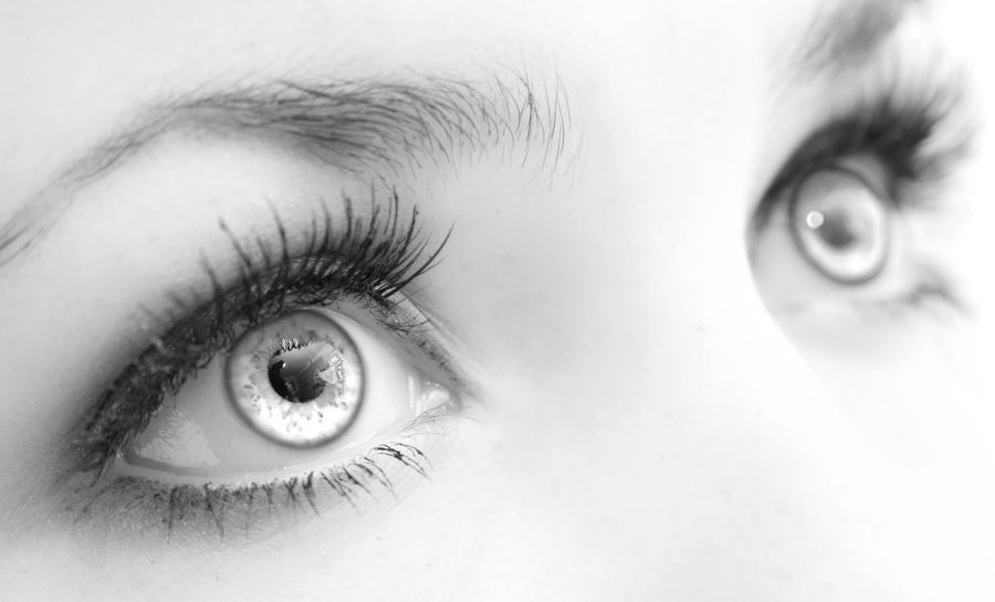 чнрно-белая фотография глаза