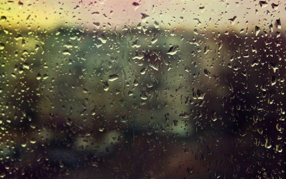 капли на окне