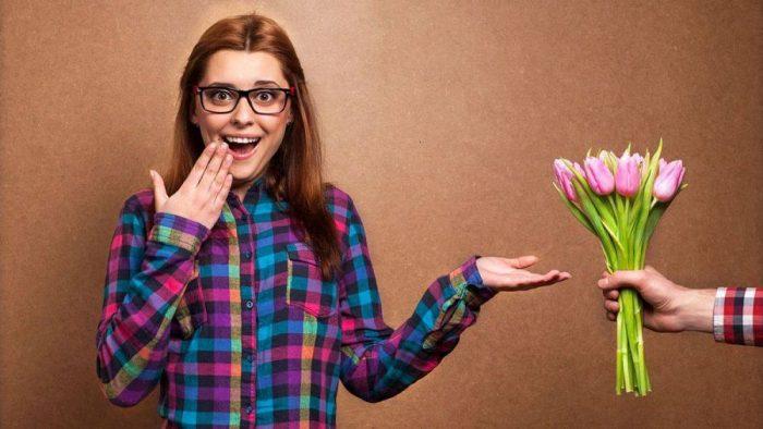 Какие цветы лучше подарить на 8 марта?