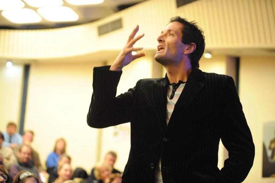 жесты и мимика во время выступления