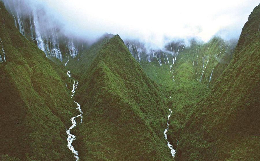 Водопад Хонокохау