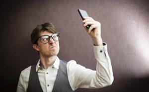 Как зарядить телефон без зарядки