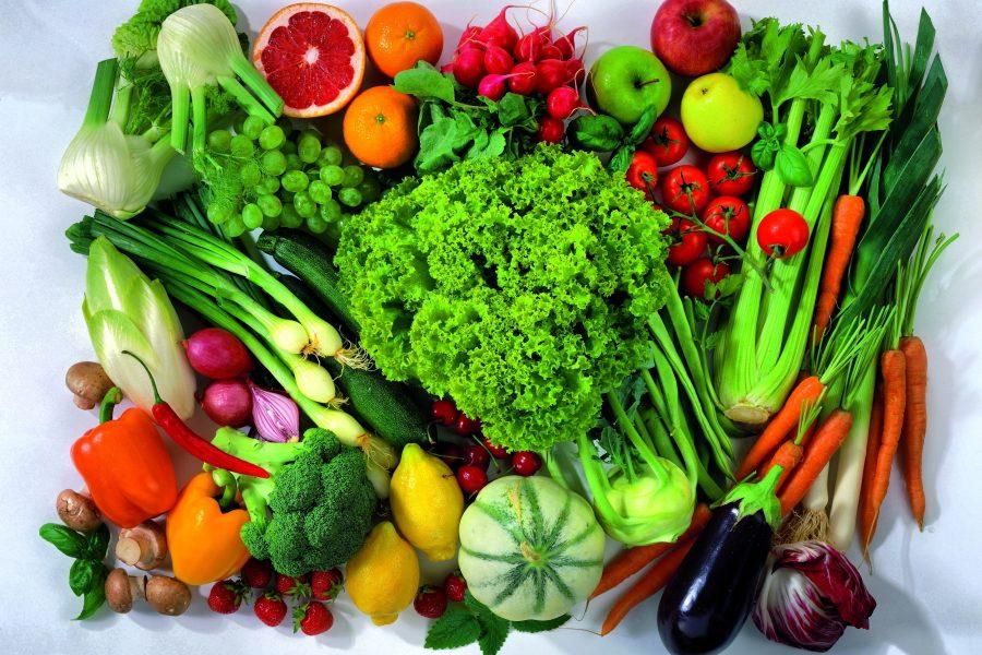 яркие фрукты и овощи