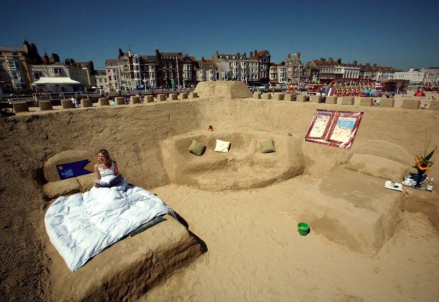 Отель – песчаный замок «Sand Hotel»