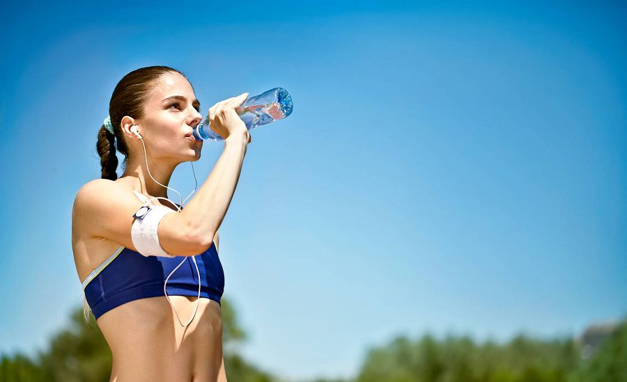 девушка спорт вода