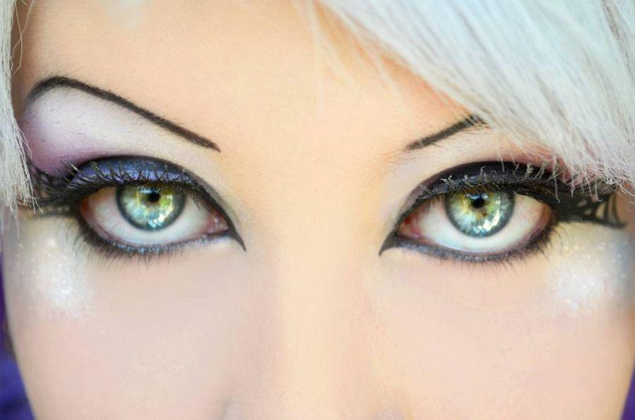 Цвет глаз моложе