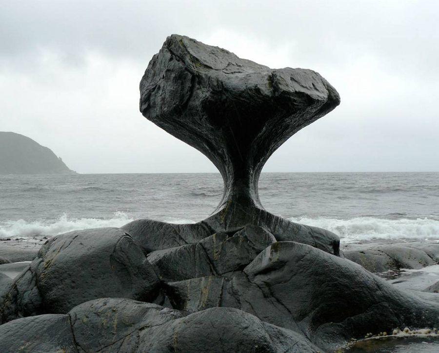 Как вода точит камень?