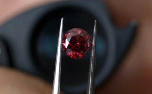 Увековечение ДНК близких людей в бриллиантах