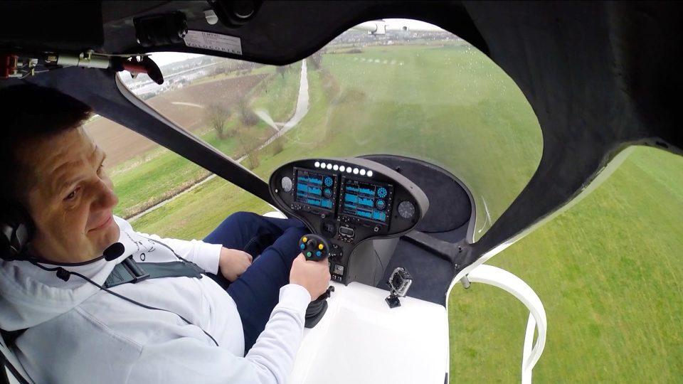 Первый пилотируемый полет 18-винтового мультикоптера