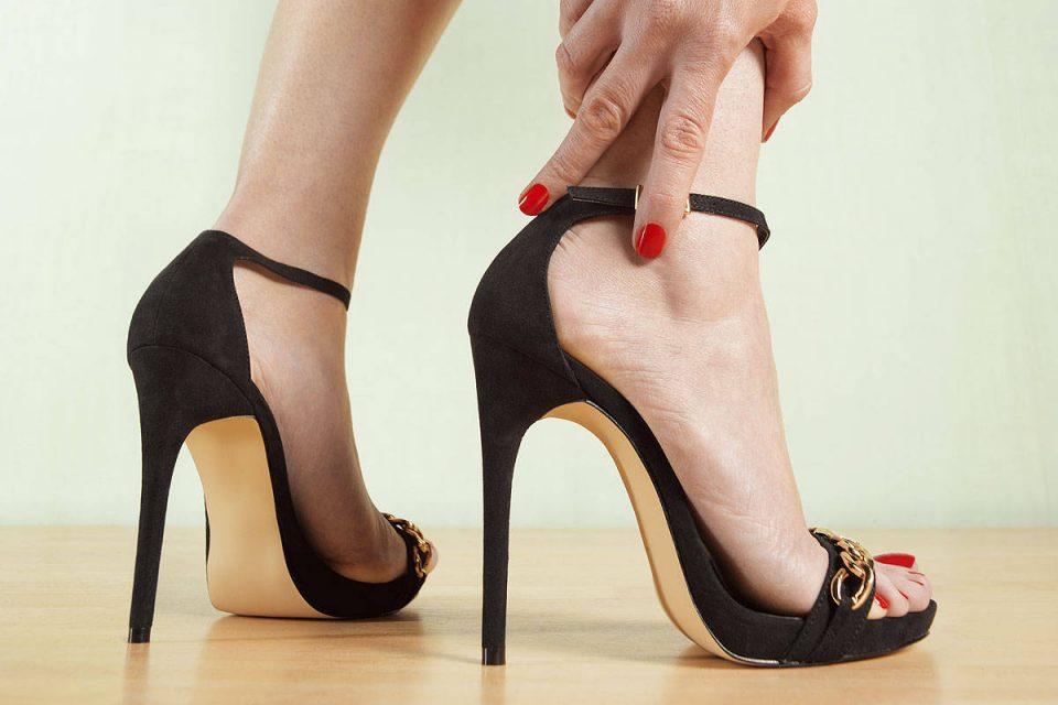 девушка на каблуках