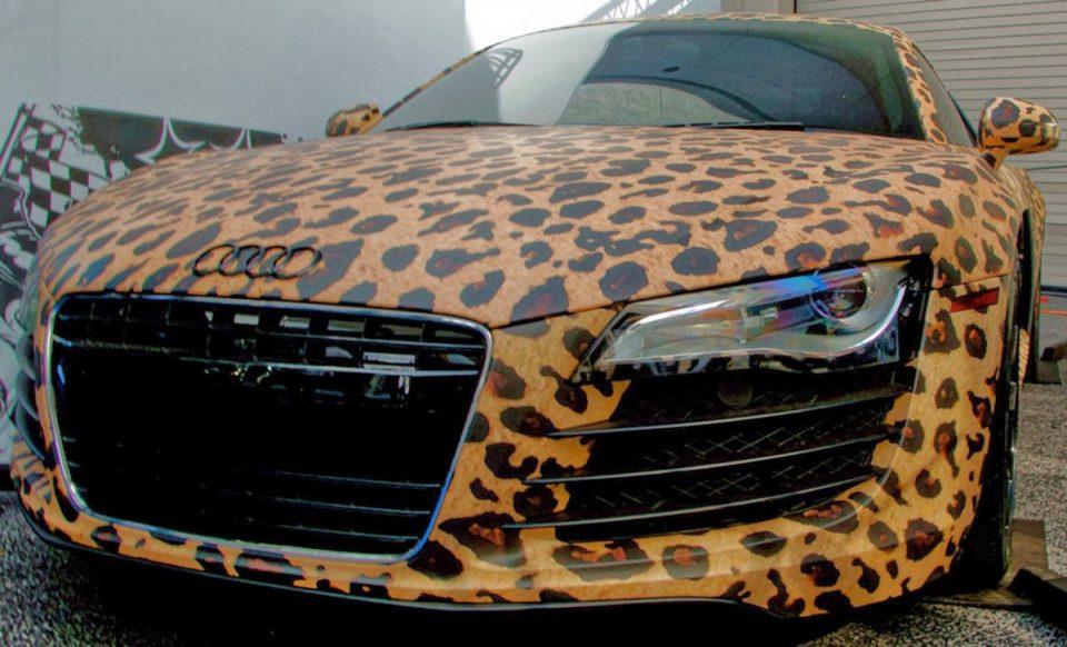 Audi R8 леопардовый