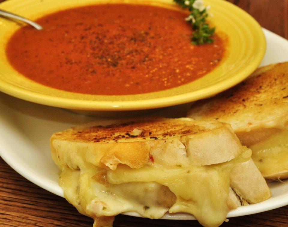 Томаты и сыр-гриль