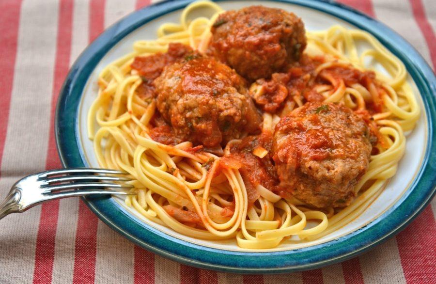 Спагетти и фрикадельки