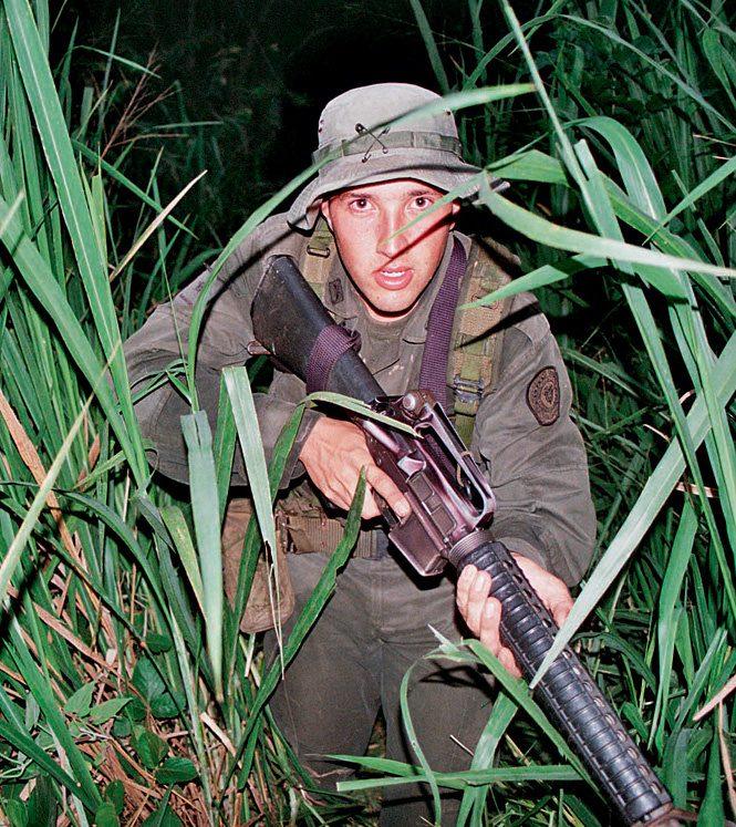 боец колумбийского спецназа