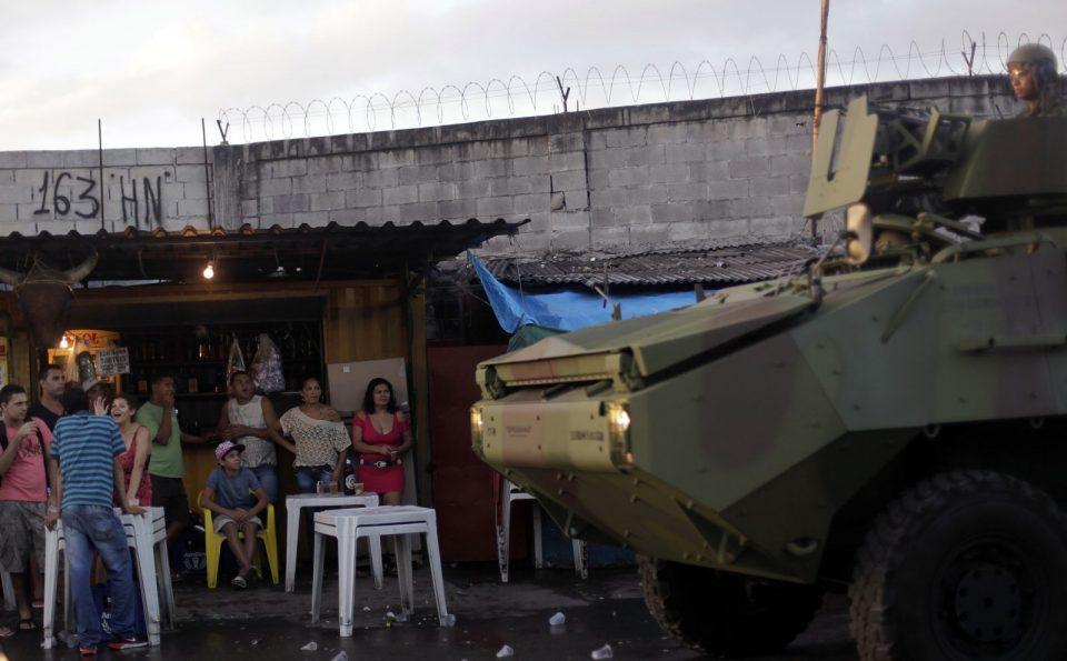 бразильский спецназ в фавелах Рио-де-Жанейро