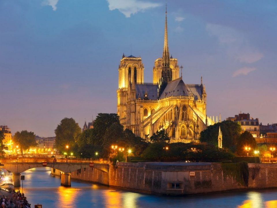 дисней. собор Парижской Богоматери, Франция