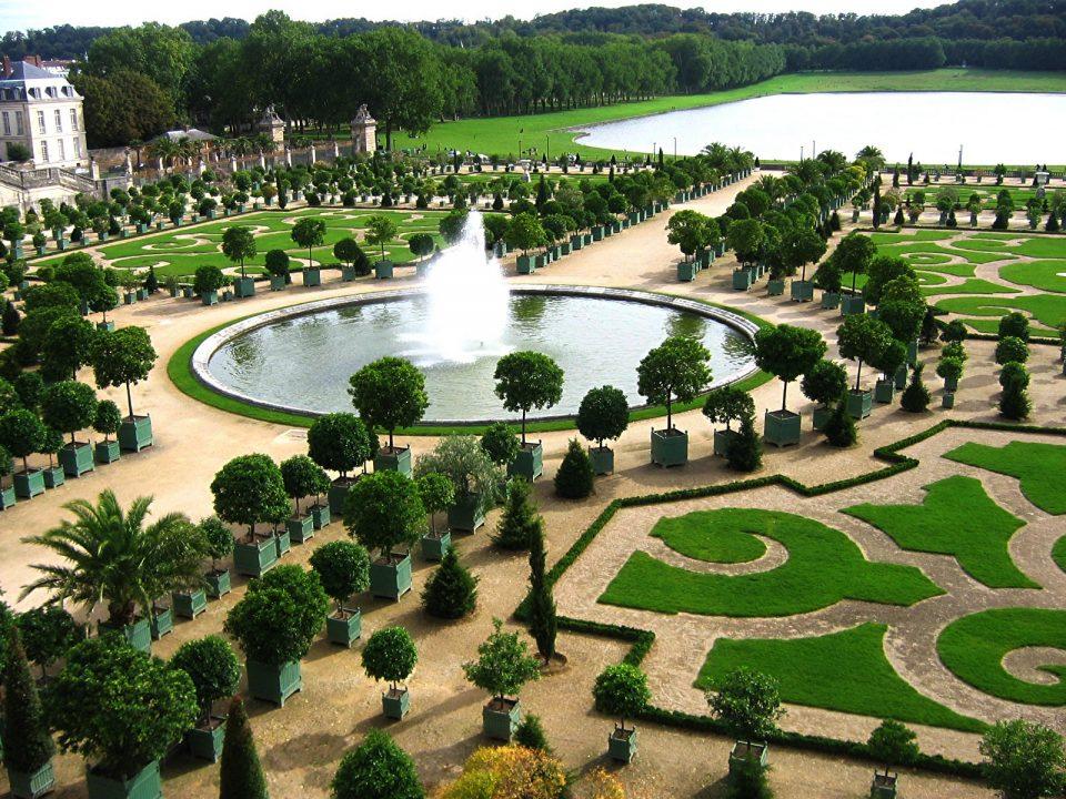 топиари.Парк Версальского дворца