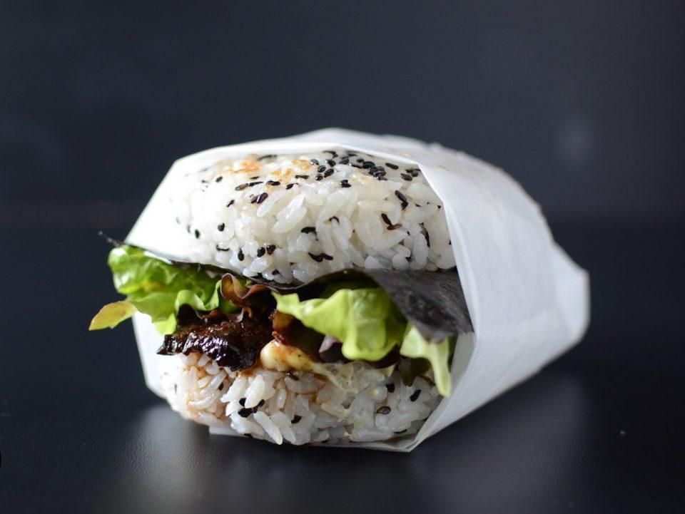 суши-бургер в упаковке